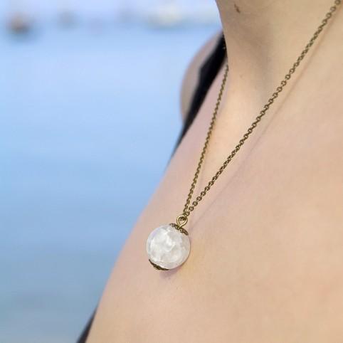 Collier chaîne bronze pendentif cristal de roche givré