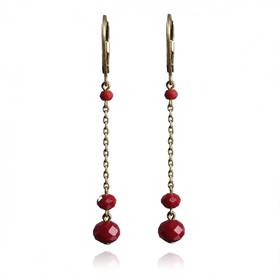 Earrings with deep red facetted glass beads - Bohême