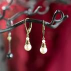 boucles d'oreilles pendantes blanches perles de culture