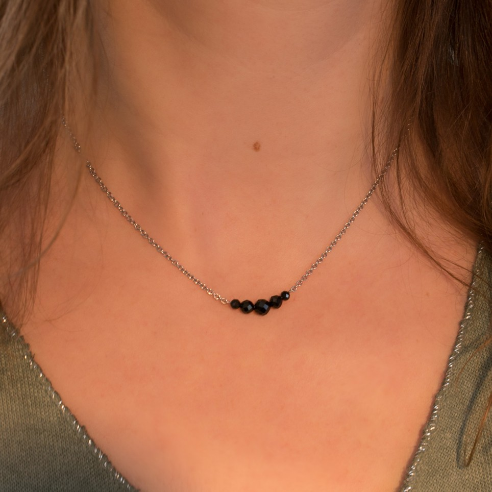 Minimalist steel necklace with black spinel beads