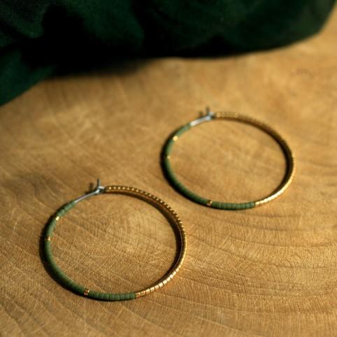Créoles en Titane pur - perles de verre vert kaki et or