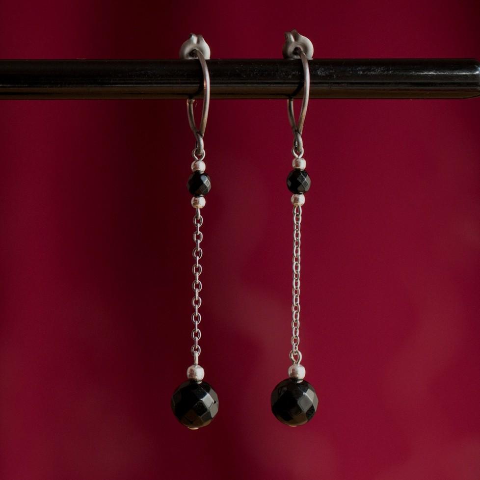 Boucles d'oreilles pendantes en titane pur et perles d'onyx - Boucles d'oreilles hypoallergéniques