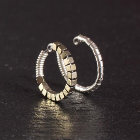 Bague d'oreille en Titane, perle argentées et hématites