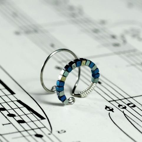 Bague d'oreille en Titane, perles d'hématites bleues et vertes - Spark