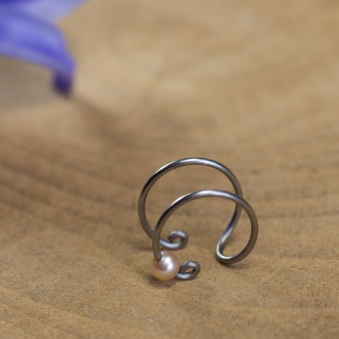 Pure titanium ear cuff with pink freshwater pearl