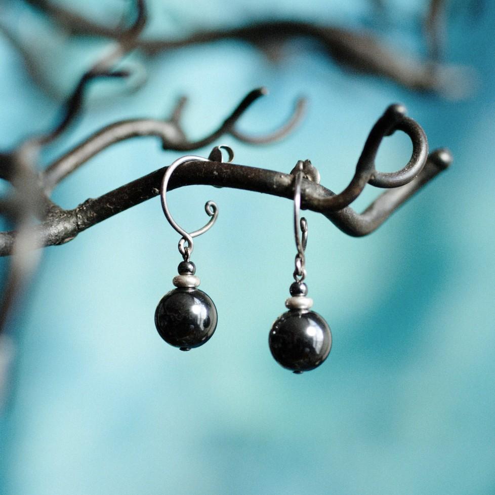 Boucles d'oreilles en titane pur et perles d'hématite