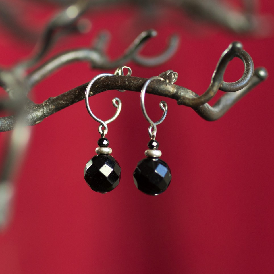 Small pure titanium drop earrings with black onyx beads - hypoallergenic earrings for sensitive ears, nickel free