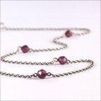 Antique 925 sterling silver necklace with faceted garnet beads - Snow white